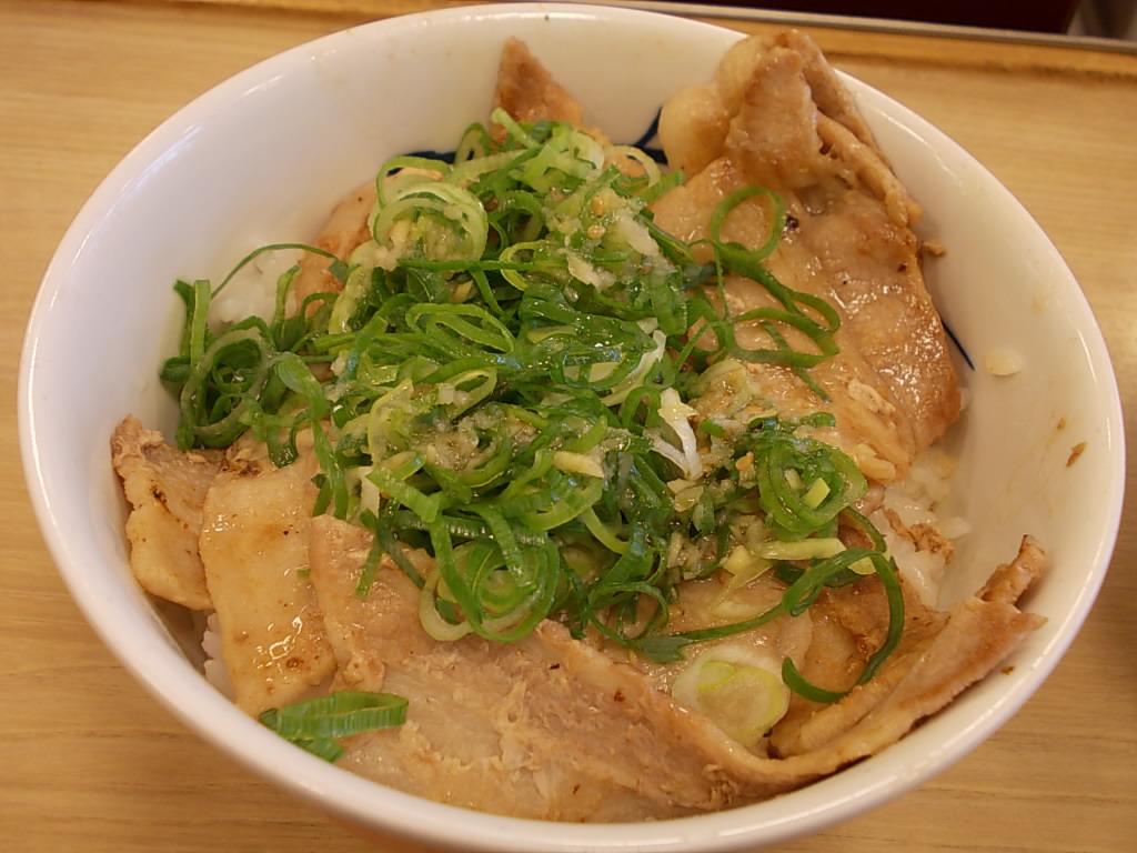 松屋 塩豚カルビ丼 004.jpg